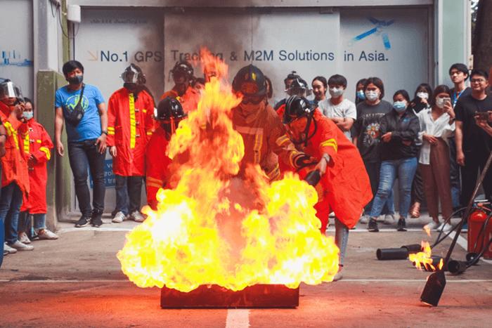 DTC-จัดอบรมฝึกซ้อมดับเพลิงเบื้องต้น-และซ้อมอพยพหนีไฟ-2563